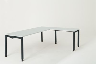 Schreibtisch, verkettet, Fußform Rundrohr - HxBxT 680 – 760 x