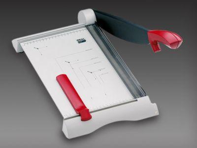 Schneidemaschine - Schnittleistung 15 Blatt Schnittlänge 340 mm,