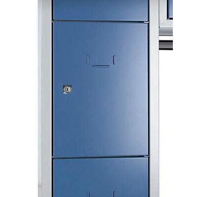 Wolf Garderobenschrank, offen - Gesamt-HxB 1850 x 1500 mm, 13 Fächer