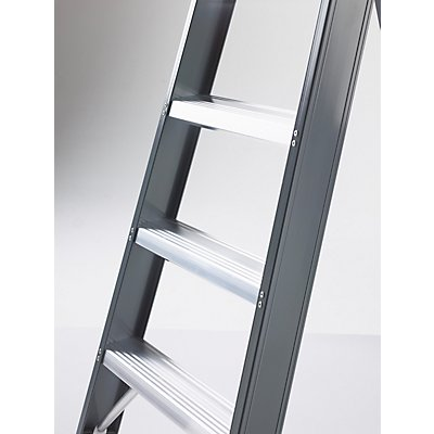 Alu-Stufenstehleiter, einseitig begehbar, mit Ablageschale