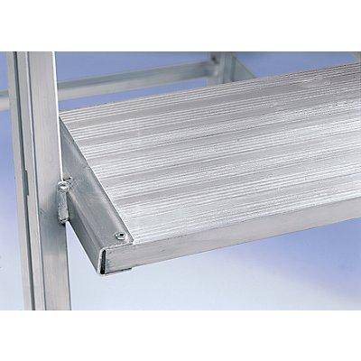 Günzburger Steigtechnik Podestleiter mit einseitigem Aufstieg - Plattform und Stufen aus Leichtmetall