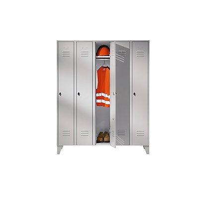 Wolf Stahlspind mit Stollenfüßen, Abteile schrankhoch - Vollwandtüren, Abteilbreite 300 mm