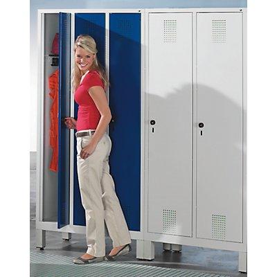 CP Garderobenschrank mit Kunststoff-Füßen - Abteilbreite 400 mm, HxBxT 1850 x 1200 x 500 mm