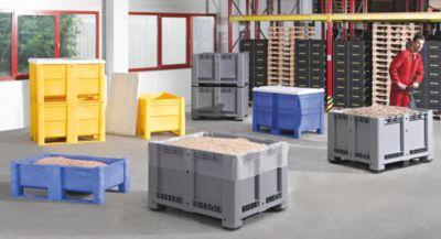 Großbehälter aus Polyethylen - Inhalt 610 l, 6 Füße und Kufen an den Längsseiten