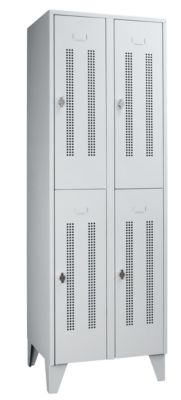 Wolf Stahlspind mit Stollenfüßen, Abteile horizontal geteilt - Lochblechtüren, Abteilbreite 300 mm