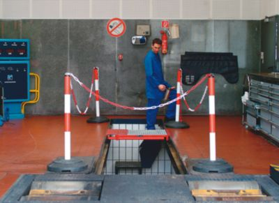 Kettenständer mit Stahlpfosten - Pfostenhöhe über Flur 1000 mm - rot/weiß