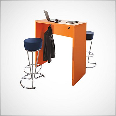 Tabourets et tables de bar Image